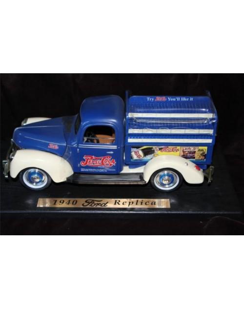 اول سياره توزيع بيبسي الموديل 1940 م